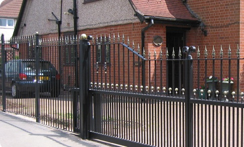 Electric Gates & Barriers
